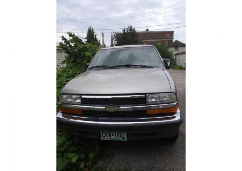 Buy or part out this 1999 chevy blazer